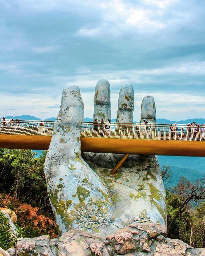 Golden Bridge Vietnam_2