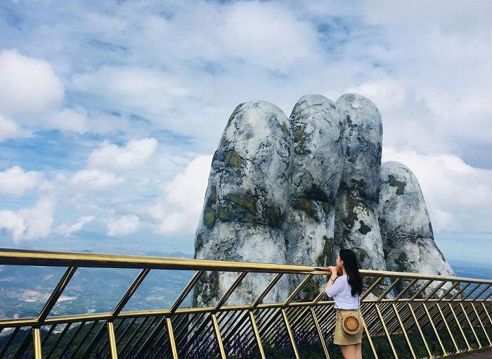 Golden Bridge Vietnam_6