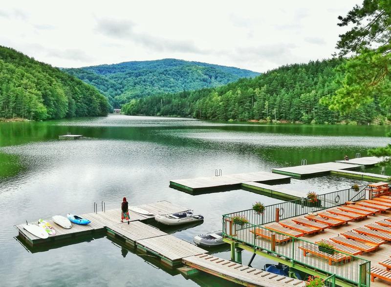 Ponton Casa Baraj  – o oază de relaxare în inima Banatului Montan | #CustomResita