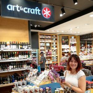 O experiență unică : în vizită la magazinele Art & Craft din Otopeni și Băneasa