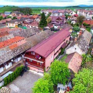 De 1 decembrie, în Transilvania, orașul devine de poveste unde te poți relaxa pe cinste (cazare 2 nopți, 240 lei)